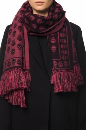 Patterned shawl with a skull motif od Alexander McQueen