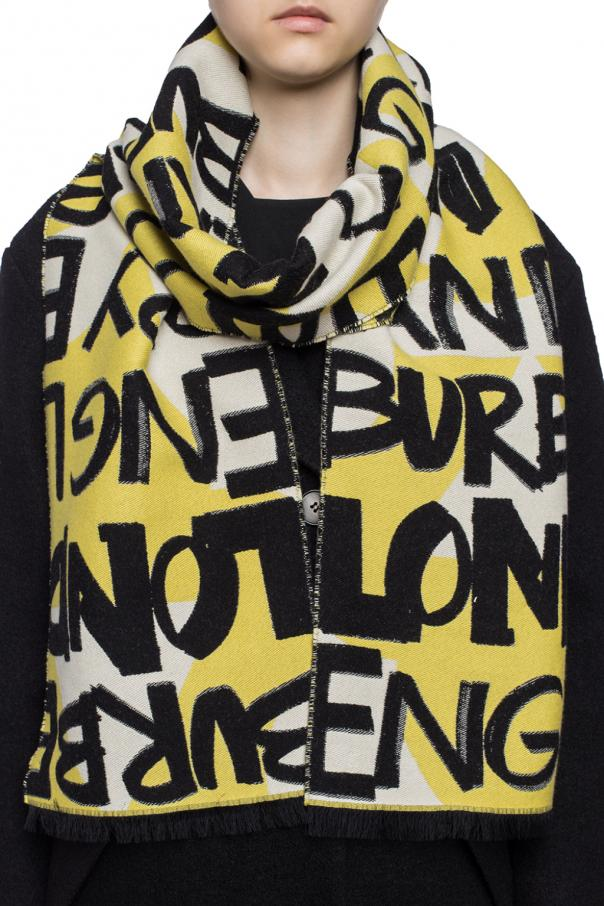 Scarf with a pattern od Burberry