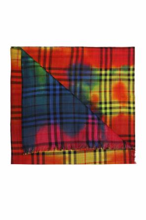 Shawl with a plaid pattern od Burberry