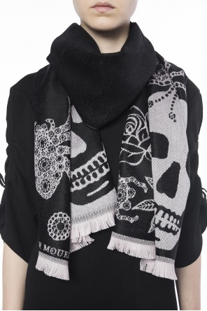 Skulls & spiders embroidery scarf od Alexander McQueen
