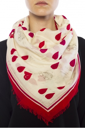 Skulls & hearts embroidery shawl od Alexander McQueen