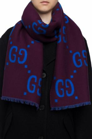 Patterned scarf with a logo od Gucci