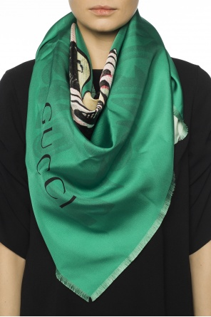 Reversible shawl od Gucci