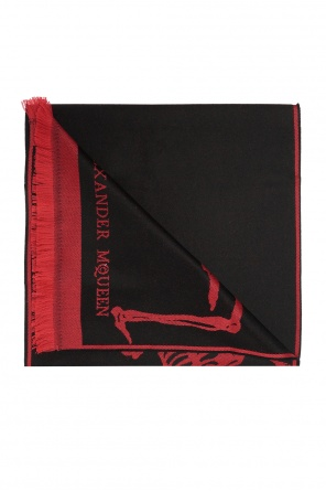 Reversible scarf with skeleton motif od Alexander McQueen