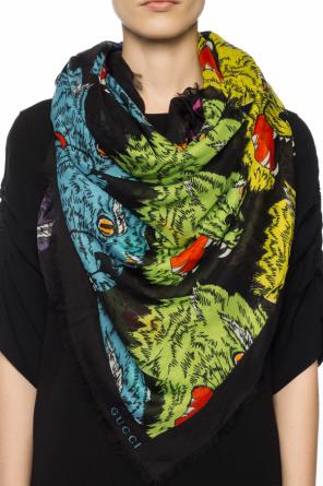 Shawl with an animal motif od Gucci