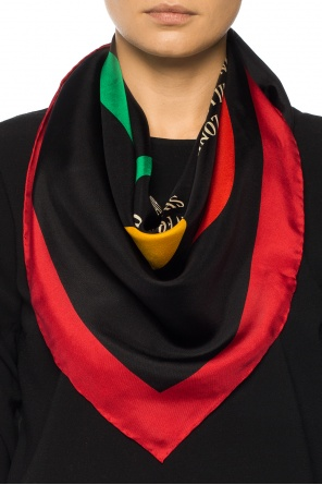 Shawl with a logo od Gucci