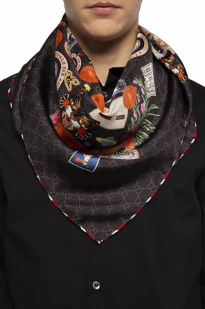 Patterned scarf od Gucci