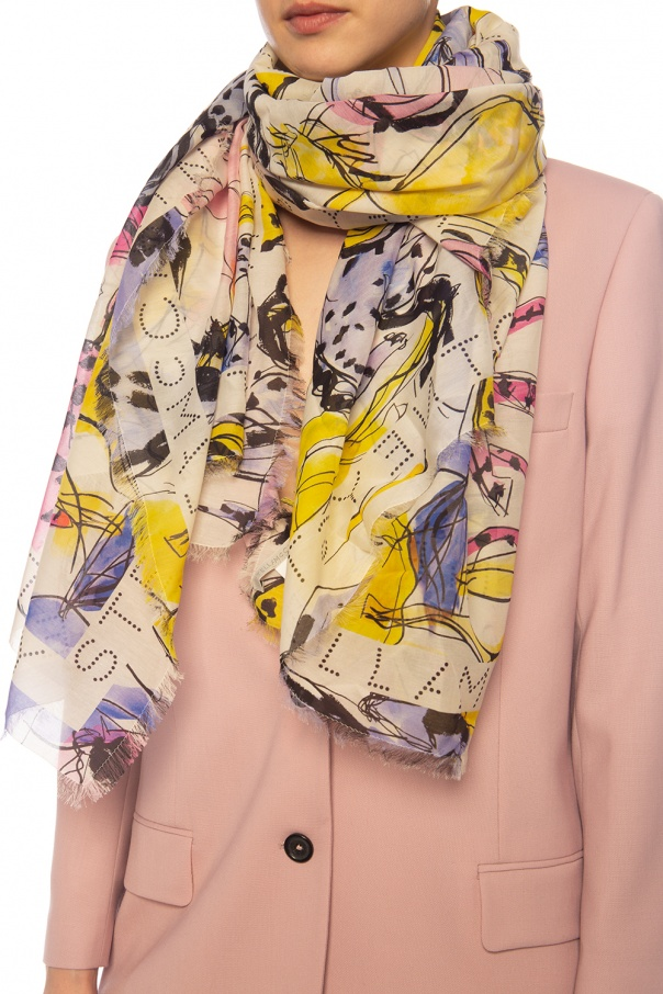 Logo shawl od Stella McCartney