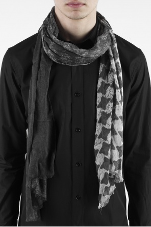 Patterned scarf od John Varvatos