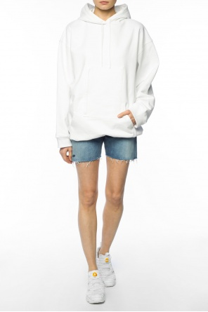Raw-trimmed denim shorts od Balenciaga