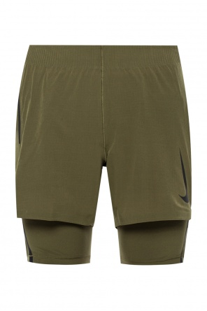 Shorts with a printed logo od Nike