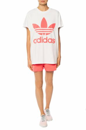 Shorts with an embroidered logo od ADIDAS Originals