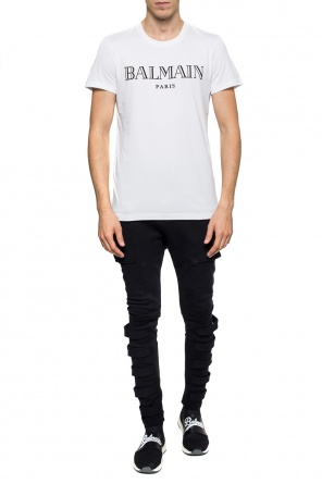 T-shirt with a velvet logo od Balmain
