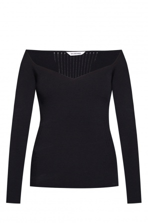 Top with decorative neckline od