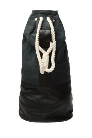 Oversize bucket bag od Ann Demeulemeester