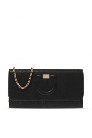 Wallet on chain od Salvatore Ferragamo