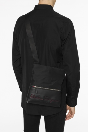 Logo-embroidered shoulder bag od Salvatore Ferragamo