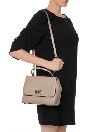 Mott' shoulder bag with a logo od Michael Kors
