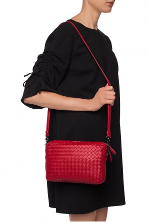 Shoulder bag with an 'intercciato'  braid od Bottega Veneta