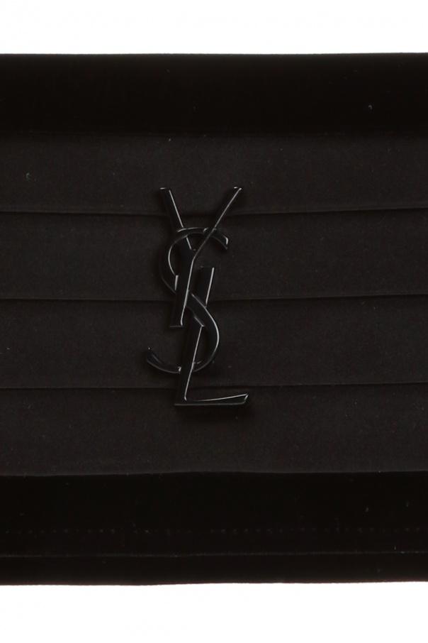 Velvet clutch od Saint Laurent