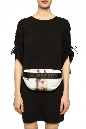 Unicorn-printed belt bag od Burberry