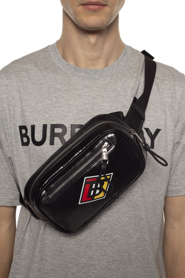 Branded belt bag od Burberry