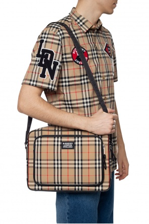Branded shoulder bag od Burberry