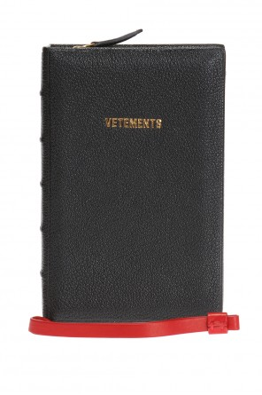 Book-shaped clutch od Vetements